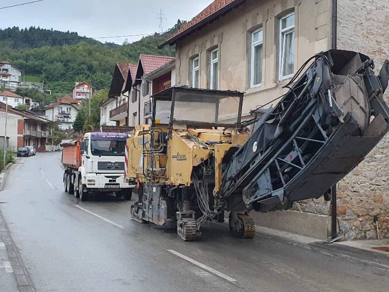 Почела реконструкција дијела улице Симе Перића, а радови завршени у МЗ Улице